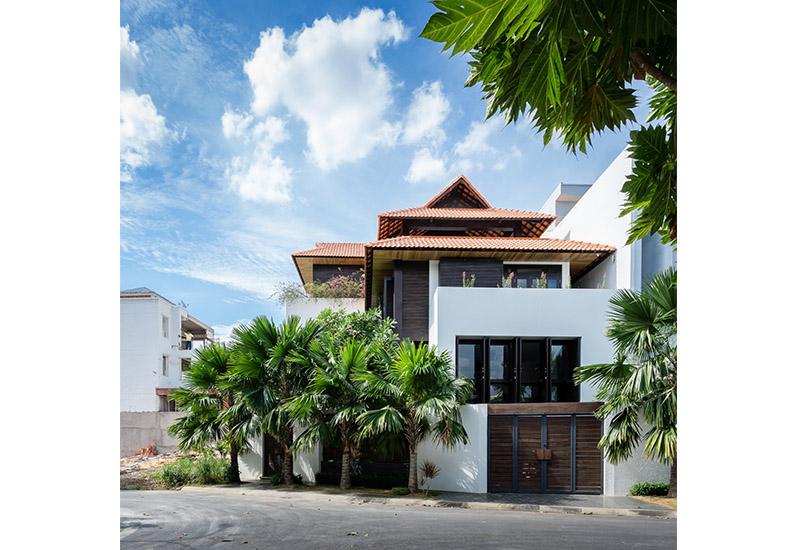 Biệt Thự Vườn Yên Tĩnh Xây Theo Kiến Trúc Huế Xưa | BT-124